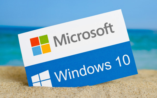 Windows-10-Schild im Sand
