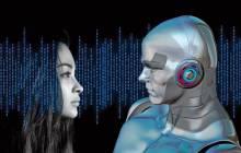 Menschliche Frau und Roboter