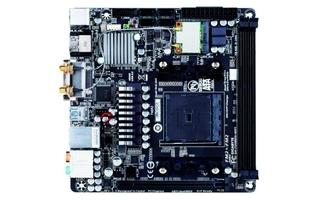 Gigabyte bestückt sein GA-F2A88XN-WIFI für AMDs FM2+ Sockel mit zwei externen WLAN-Antennen. Damit kann das Mini-ITX-Board theoretisch 867 MBit/s über WLAN-ac funken.