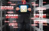 Microsoft hat den DynDNS-Anbieter No-IP.com wegen Verbreitung von Malware lahmgelegt. Ein Gericht übergab Microsoft die Kontrolle über 23 Domains des Dienstes. Millionen Server waren unerreichbar.