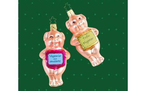 Inge-Glas Christbaumschmuck - Edle Sauerei im Weihnachtsbaum: Seit über 400 Jahren produziert Inge-Glas mundgeblasenen, handbemalten Christbaumschmuck und begeistert damit Deko-Fans in aller Welt.