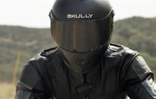 Schulterblick ist passé. Der Motorradhelm Skully AR-1 mit Ironman-ähnlichen J.a.r.v.i.s-Funktionen blendet den rückwärtigen Verkehr direkt ins Helm-Display ein sowie GPS- und Anruf-Informationen.