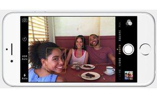 Verbesserte Videoaufnahmen: Die iPhone-6Kamera kann Full-HD-Videos mit bis zu 60 Bildern pro Sekunde drehen und beherrscht Zeitlupenaufnahmen mit bis zu 240 Bildern pro Sekunde (Bild: Apple).