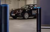 Mercedes im Parkhaus