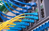 Router mit Verkabelung